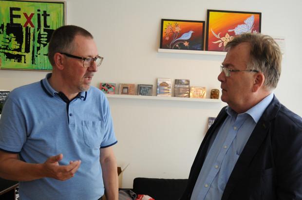 Finansminister Claus Hjort Frederiksen på besøg i Café Exit