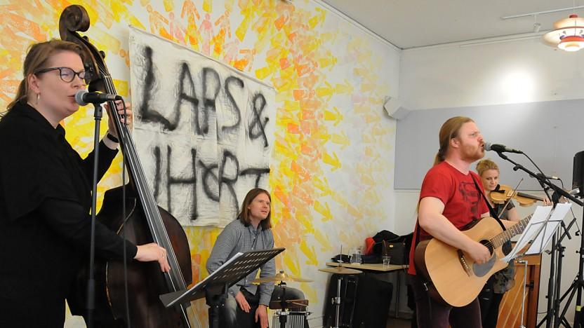 Lars & UHøRT optrådte med festlig energi ved kultureftermiddagen i København