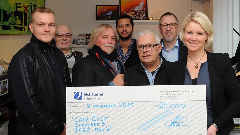 Pia Allerslev overrakte 25.000 kr. fra Østifterne